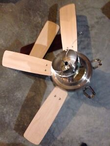 Hampton Bay Ceiling fan- believe it's missing a part