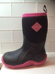 Muck winter/rubber boots (similar to bogs) size 11 toddler