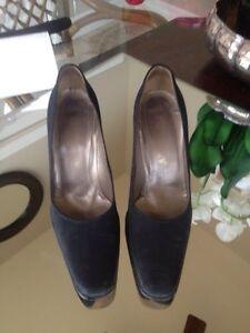 Holt Renfrew Studio woman shoes size 9