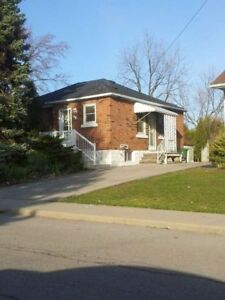1 block from Mohawk College!! 2 rooms open for September!
