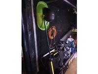 Xceed Electric Lawnmower 1000w 3 Blade Hover Mower Metal Blades