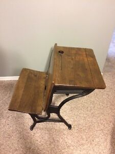 Antique school desk  Kitchener / Waterloo Kitchener Area image 2