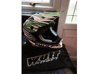 Boys Wulfsport advance helmet