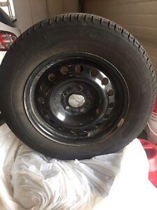 4 winter tires Michelin  215/65 R16 5x 114.3 bolt pattern