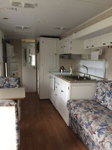26 foot camper. New price!! Needs sold!! St. John's Newfoundland image 2
