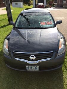 Clean Altima with winter tires London Ontario image 3
