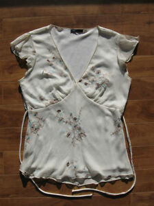 Eclipse White with Brown & Teal Top Size M