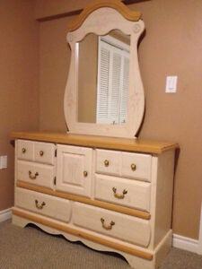 girl's long dresser w/mirror - LIKE BRAND NEW!