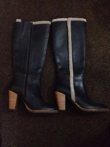 Hush Puppies Ladies Leather Boots Size US 10