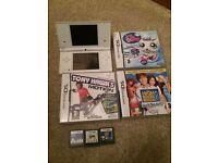 White Nintendo dsi and games