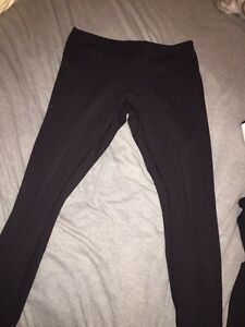 2 pairs of Lululemon wunder unders