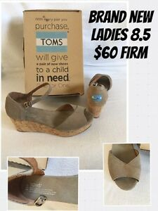 Brand New Ladies size 8.5 Toms cork wedges