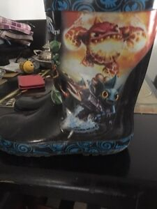 Girl's boots size 12 and 10 and boy's boots size 13. AVAILABLE Gatineau Ottawa / Gatineau Area image 4