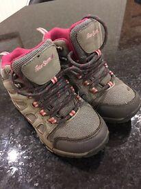 Peter Storm girls walking boots size 12