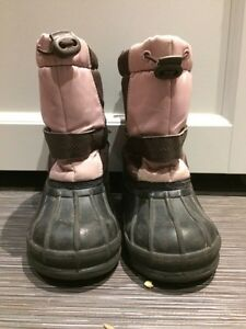 Girls boots, size 8 London Ontario image 1