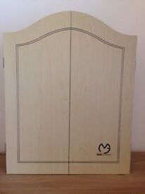 Dartboard Cabinet in mint condition