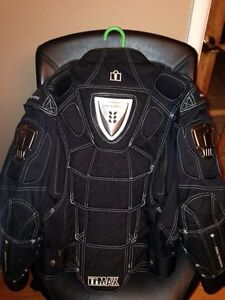ICON MOTORCYCLE PROTECTIVE JACKET West Island Greater Montréal image 2