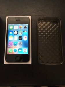 IPhone 4S - 64gb - Rogers and Fido