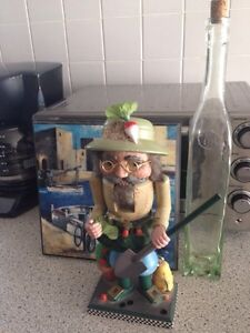 Nutcracker, scenic plaque picture, green bottle, all for $7
