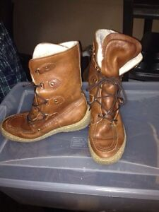Brown leather  winter boots