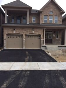House for rent available immediately in Brampton