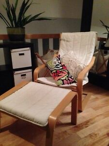 Chaise Poang Ikea et repose-pied