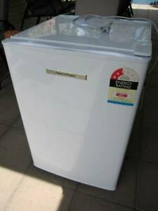 Fisher & Paykel bar fridge, 178 ltrs
