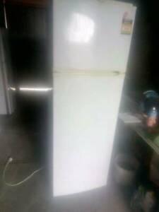 Fridge Freezer 269 litre