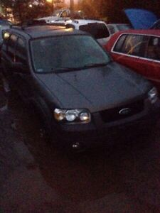 Parting out 05 Ford Escape!!