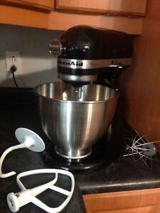 Kitchenaid Mixer - Like New