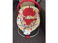Baby rainforest vibrating musical chair bouncer