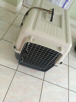 Medium size dog kennel/carrier