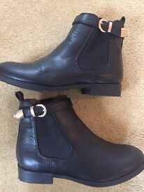 Girls M&S black boots size 1- Worn once