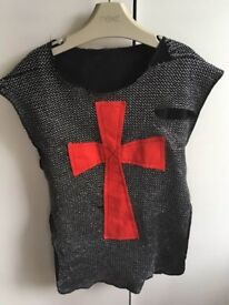 Knight's fancy dress/dressing up costume £1 collection from Shepshed (can post)