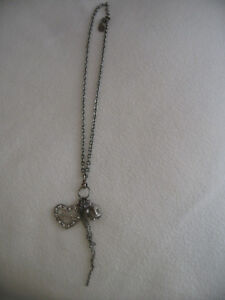 Authentic Guess Silver Heart Crown Fashion Necklace!!!