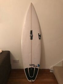 5'11 x 18 5/8 x 2 3/8 JS Monsta 3 Surfboard FCS2