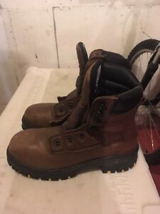 Men's insulated steel toe work boots Prince George British Columbia image 2