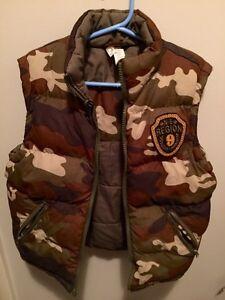 Boys vests & snow pants size 5