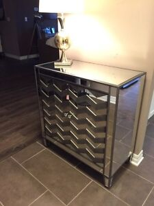 Like NEW Mirror Cabinet with chevron pattern & lamp  London Ontario image 5