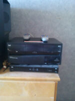 4 Bell Expressvu Receivers with remotes