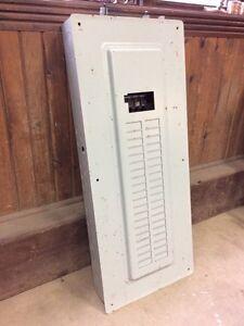 Panneau electrique 200amps +main breaker