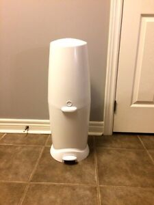 Diaper genie elite - excellent condition