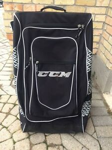 Hockey bag with wheels  London Ontario image 1