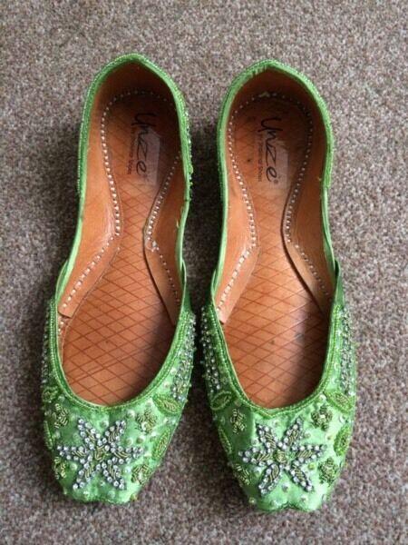 Unze Green Khussa Beaded Flats Size 4 UK