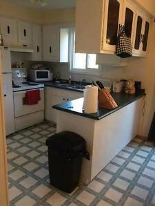 Winter 2017 Sublet - 2/5 rooms 504A Lonelm Crt Kitchener / Waterloo Kitchener Area image 3