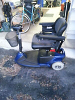 Rabais!  reduced price!  Triporteur/3 wheel scooter