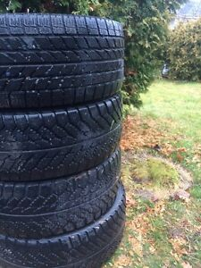4 toyo observe winter tires for sale 100$