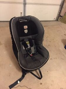 Britax  (G4.1) Convertible Car Seat