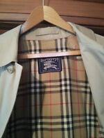 Vintage Burberry men's trench coat - size medium/ 32 regular