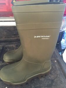 Brand new Dunlop rubber boots Strathcona County Edmonton Area image 1